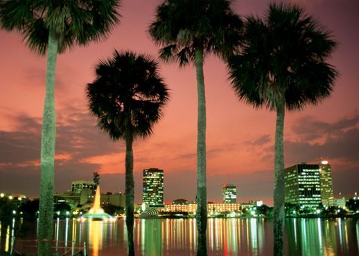 Want a cheap way to have fun in Orlando? Check out Mr.Freestuff's Blog with a list of 40 free things to do in Orlando!
