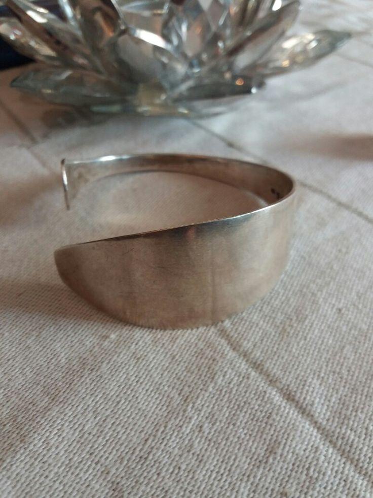 Vuodelta M5 oleva hopeinen lusikasta tms tehty rannekoru🌸