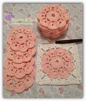 Para hacer la flor necesitan lana o hilo de algodón del grosor para trabajarla con aguja 2,5.   1) poner 10 cadenas   2) unir la prime...