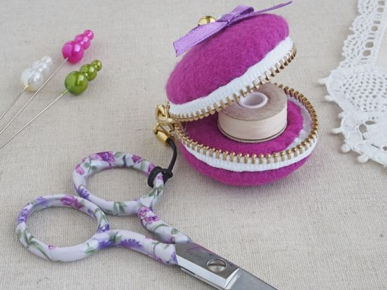 Macaron pouch - tutorial • this is a lovely little pouch to store a thimble or bobbin of thread