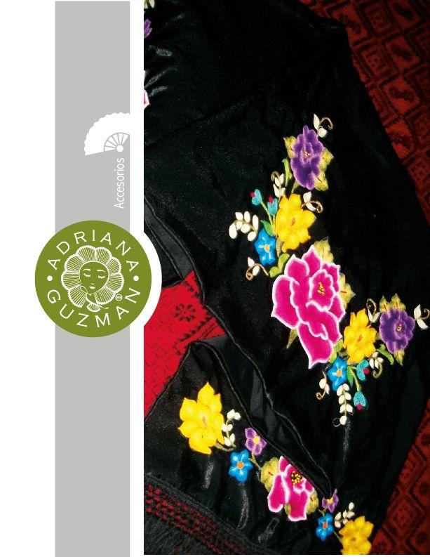 Hermosas flores Itsmeñas tejidas en rebosos de seda