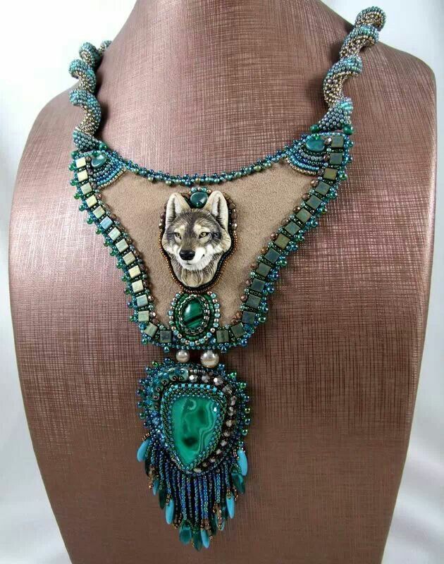 ♡♡♡ Gosh I love this pendant, although though there are many others that are also so beautiful, amazing artistry