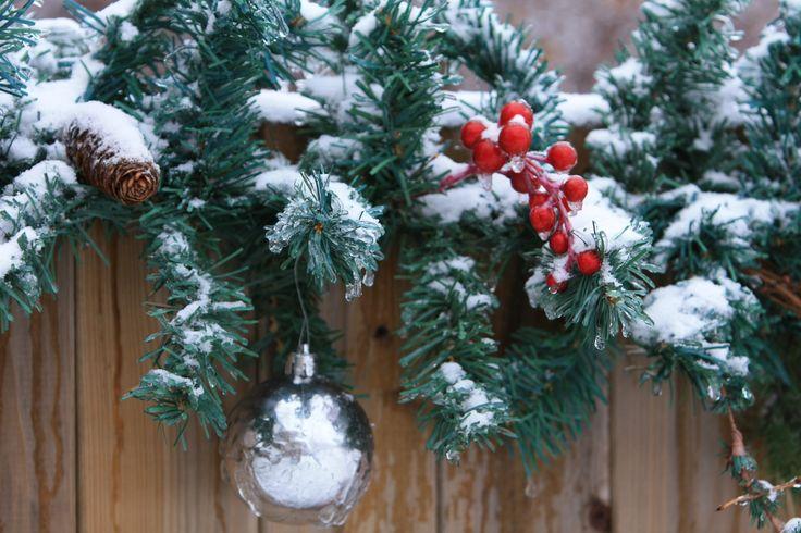 Garland w/ornament