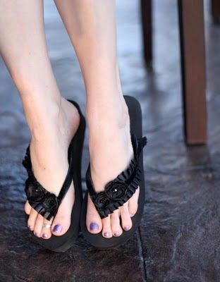 Embellish your own flip flops!!  Tutorial...