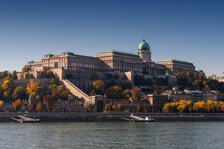 Prepare-se para conhecer três das mais importantes capitais imperiais da Europa: Praga, Viena e Budapeste. Você se encantará com suas riquezas, maravilhas históricas e arquitetônicas, além de também visitar a aconchegante Eslovênia.  CT Operadora Todos os destinos, seu ponto de partida #croácia #queroconhecer #ctoperadora #praga #viena #budapeste #seumelhordestino