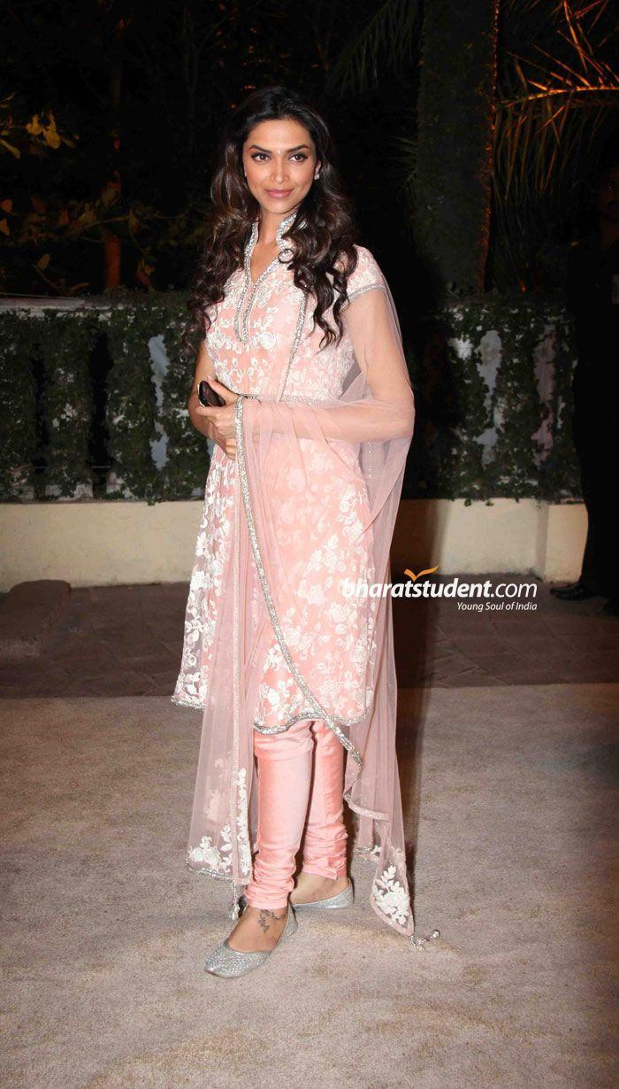 Deepika Padukone @ Imran Khan & Avantika Malik's Reception