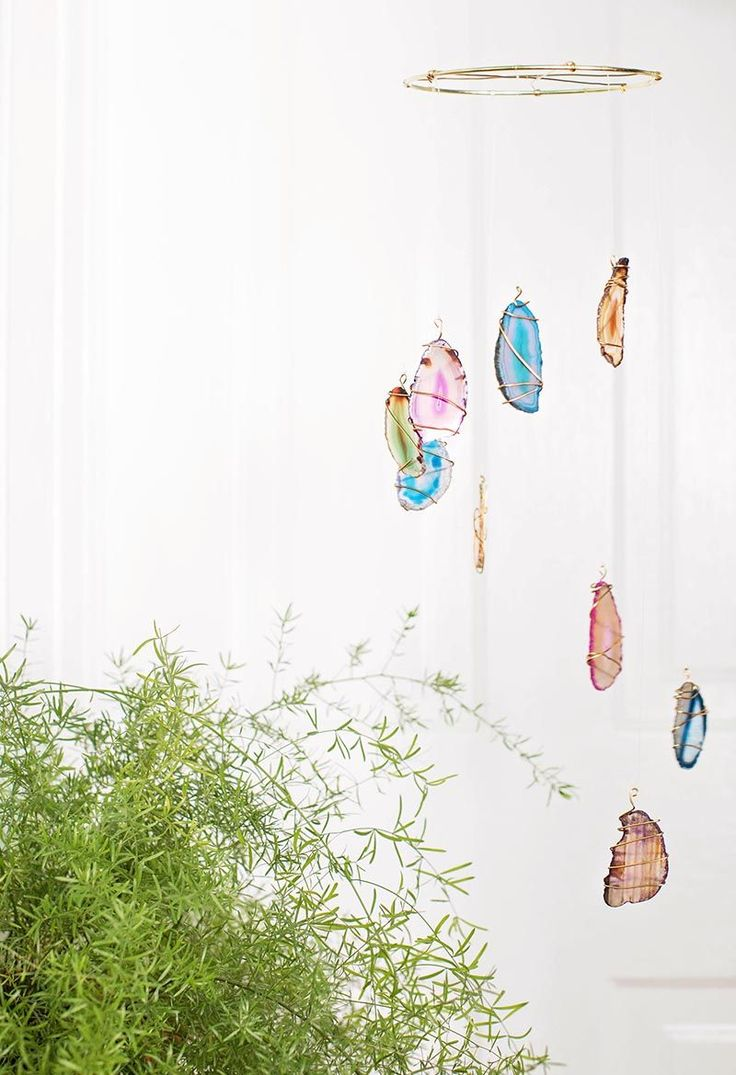 How beautiful is this agate mobile from @abeautifulmess_? Start by grabbing pretty stones and craft wire and then follow the instructions on how to make this fun wall hanging.