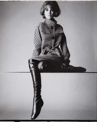 Irving Penn - Portrait du mannequin Jean Shrimpton. In LOVE with this outfit, esp the boots.