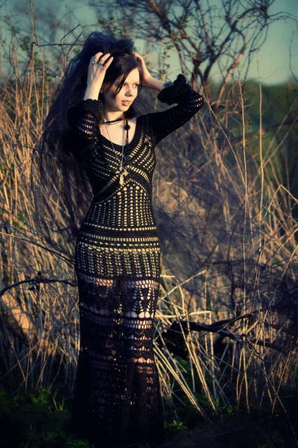 Black.  Bязание крючком. Handmade. Платья вязаные крючком. Одежда. Мода. Узоры. Цвета. Crochet dresses. Clothing. Fashion. Patterns. Colors. Háčkování šaty. Oblečení. Móda. Háčkovací vzory. Barvy.