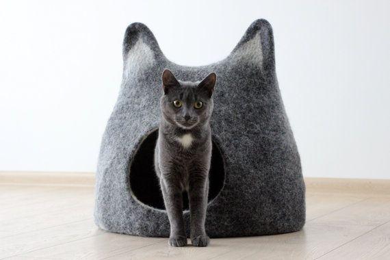 Cat bed  cat cave  cat house  handmade felted wool di AgnesFelt