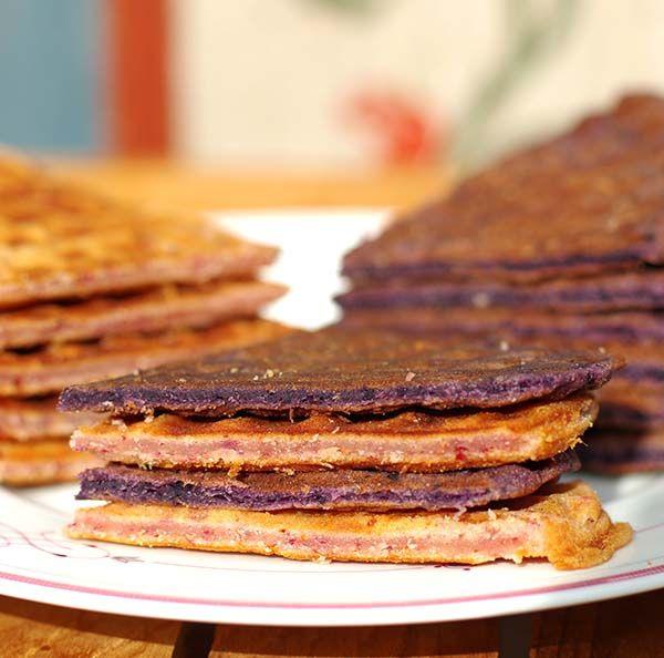 Schaut euch unser neues Rezept für fruchtige Waffeln an, frisch aus dem Waffeleisen... Natürlich haben wir auch eine vegane Version für euch! http://www.good-smoothie.de/blog/