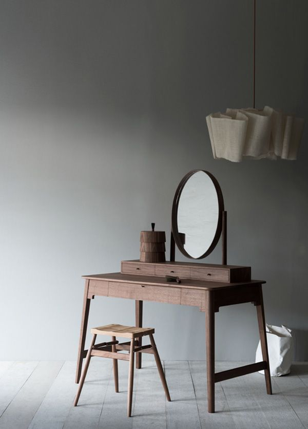 Lana Dressing Table By Pinch - http://www.dreamhomedecoration.com/amazing-ideas/lana-dressing-table-by-pinch/