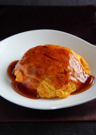 天津飯 のレシピ・作り方 │ABCクッキングスタジオのレシピ   料理教室 ... とろ~り甘酢あんをかければ、ゴハンもどんどん進みます♪お休みの日のお昼ゴハンにもぴったり☆ゴハンを中華麺にすれば、天津麺の出来上がり!