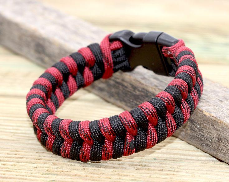 I want to share the last thing I've added to my #etsy store: Paraco bracelet …   – Petinboga Pulseras Paracord