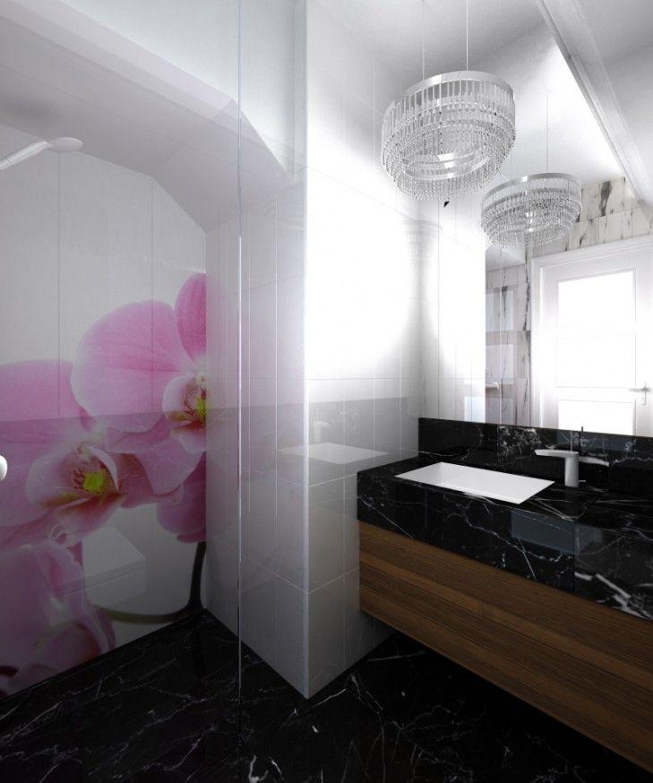 Projekt wnętrz łazienki w eklektycznym stylu - Tissu. Aranżacja wnętrza niedużej łazienki z klasycznym czarnym marmurem połączona z szybą z kwiatowym nadrukiem. http://www.tissu.com.pl/zdjecia/420