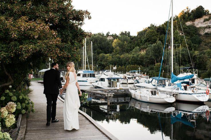 wedding photos at scarborough bluffs / toronto wedding photographer / kat rizza photography