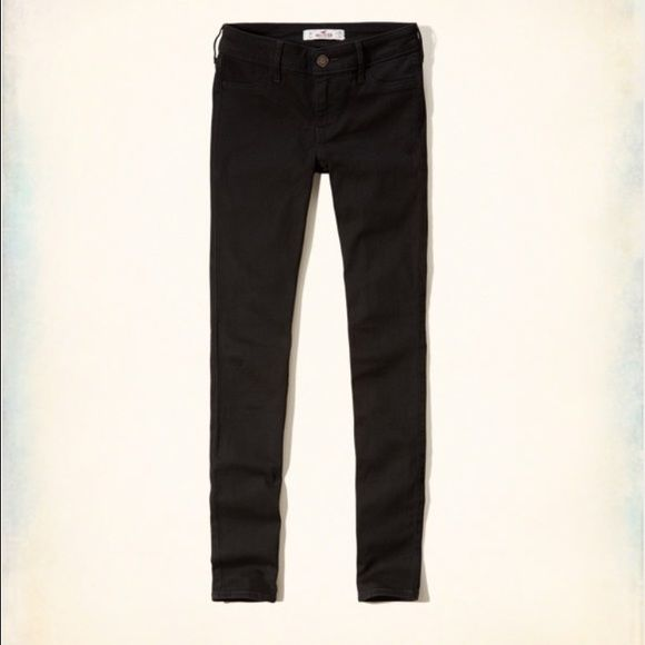 Hollister Jean Legging NWT Black jean leggings from Hollister. Stretchy material. Unfortunately they didn't fit me and I cannot return them. Hollister Pants Leggings