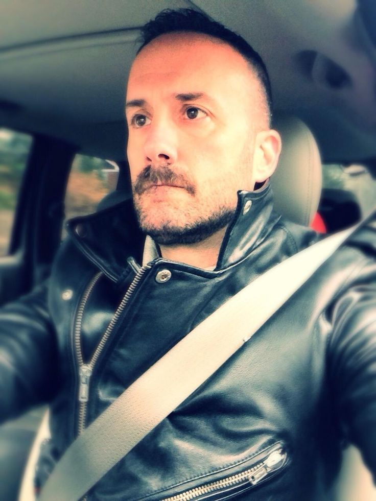 http://liamhubpages.hubpages.com/hub/Best-Mens-Leather-Jackets