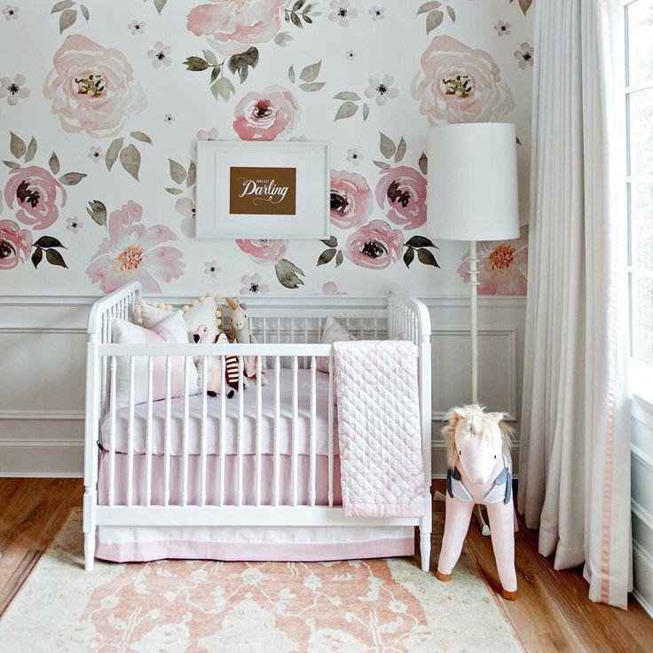 pingl par Caroline Kelley sur Baby Nursery