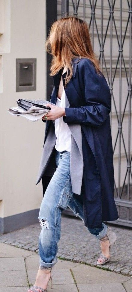 boyfriend jeans. trench. layers.