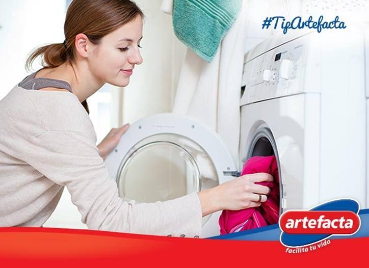 Si quieres que tus prendas blancas recuperan su tono, mezcla una cucharadita de bicarbonato con detergente, antes de ponerla en la lavadora #TipArtefacta