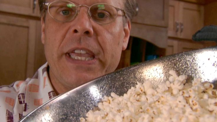 If you have a heavy gauge stainless steel bowl, you have the perfect popcorn popper, Alton Brown explains.