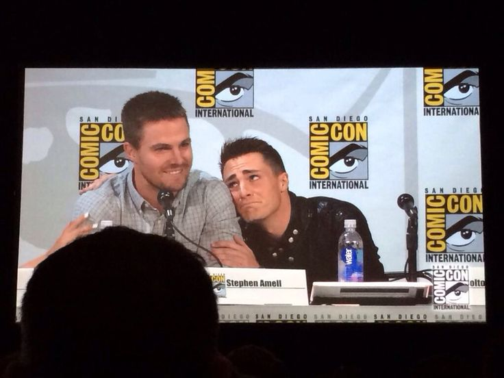 Stephen and Colton Cuddling at the Arrow panel #SDCC