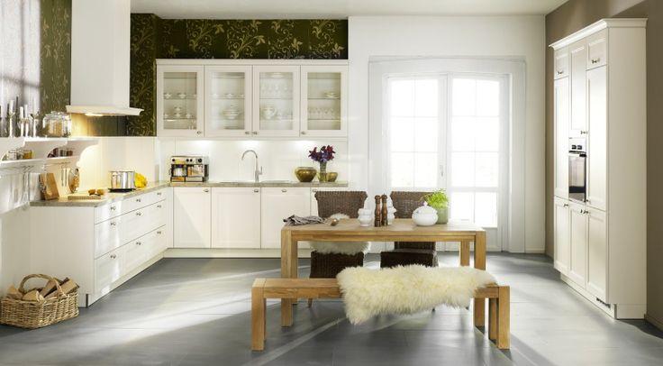 Ein Platz für die Wasserkiste im Auszug für hohe Belastungen - besteckeinsatz für nolte küchen