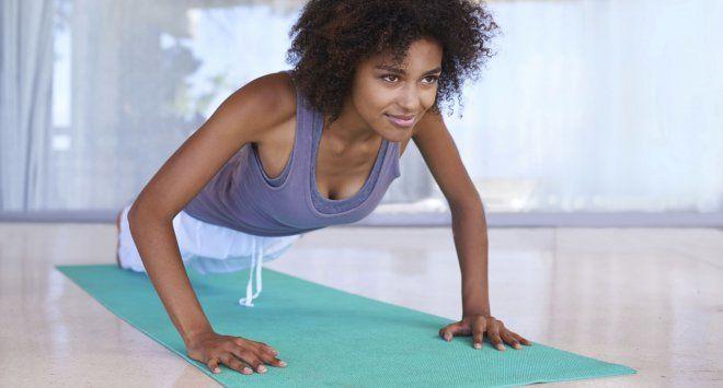 10 exercices pour des seins visiblement plus gros!