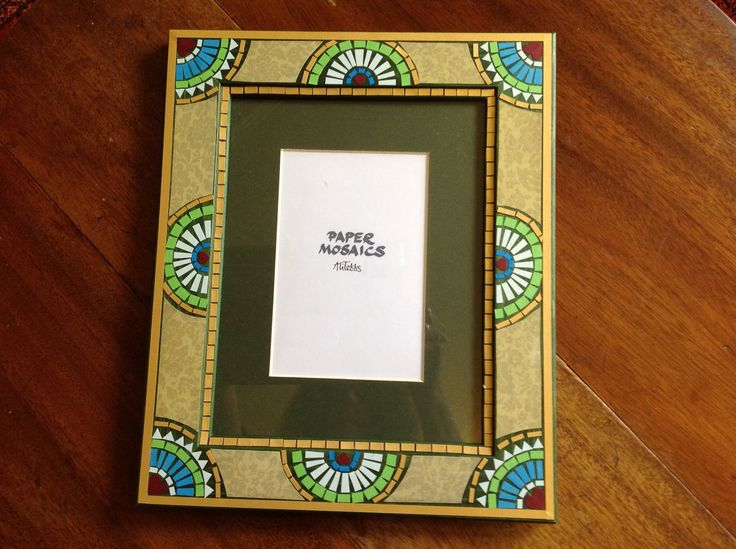 Paper mosaic photo frame