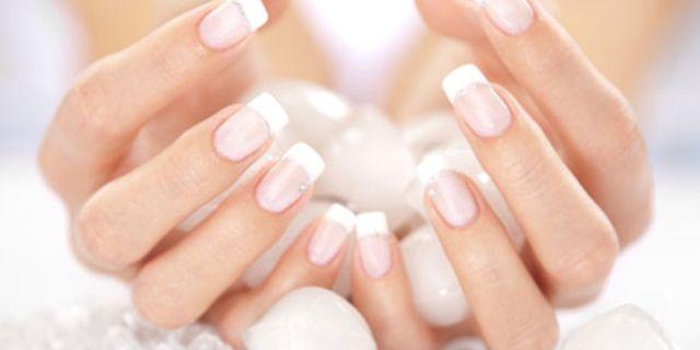 La+Manicure+Giapponese:+la+Cura+Perfetta+Per+le+Unghie+Rovinate