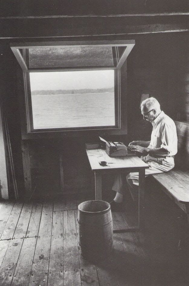 Workspaces Of The Greatest Artists Of The World (38 Pictures) - E.B. White, writer