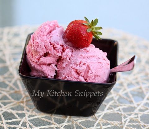 My Kitchen Snippets: Eggless Strawberry Ice-Cream