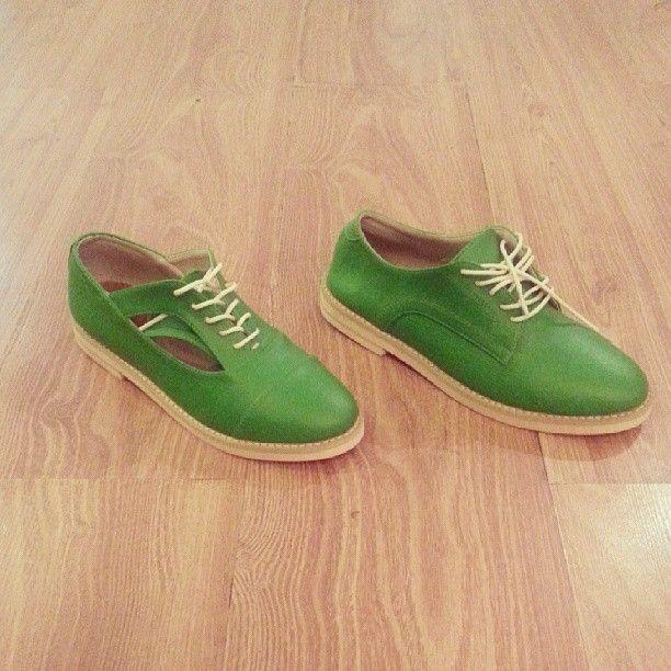.@u_shoes 30% off for : moonwalk island Idr 355 & fortune island green 349 grab it fast