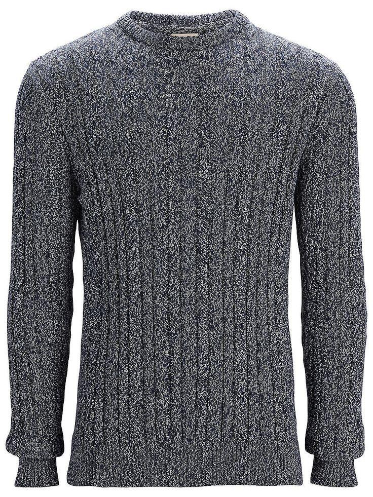 Heritage SELECTED Homme - Regular fit - 100 % Baumwolle - Zopfstrick - Crew neck - Gerippte Kanten Fühl dich bequem und cool in der kalten Jahreszeit mit diesem Zopfstrick. Ein zeitloser Artikel der über einem Hemd und einer Jeans in Slim Fit cool aussehen wird. 100% Baumwolle...