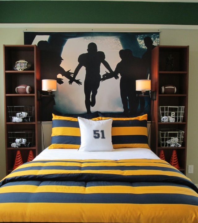 LOVE the book shelves on each side of the bed. Build something similar for the boys rooms??
