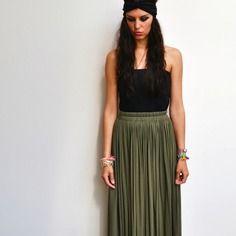 Maxi jupe longue kaki taille haute et fluide tendance hiver ou été style bohème chic