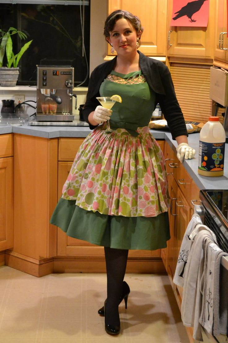 1950 39 s housewife by morgandonner on deviantart for Classic 50s housewife