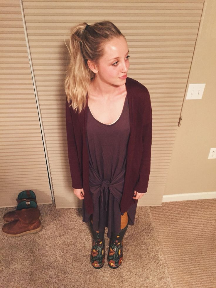 DRESSEMBER DAY 28: gray dress - free people    Cardi - gap    boots - bogs    socks - target