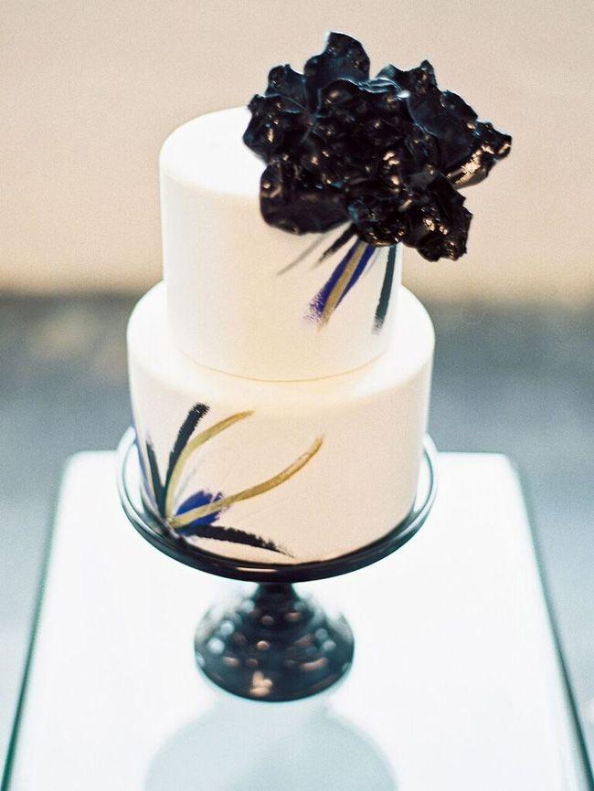 Industrial Vogue Wedding Inspiration | SouthBound Bride | http://www.southboundbride.com/industrial-vogue-wedding-inspiration | Credit: Jeff Brummett Visuals & Grit + Gold