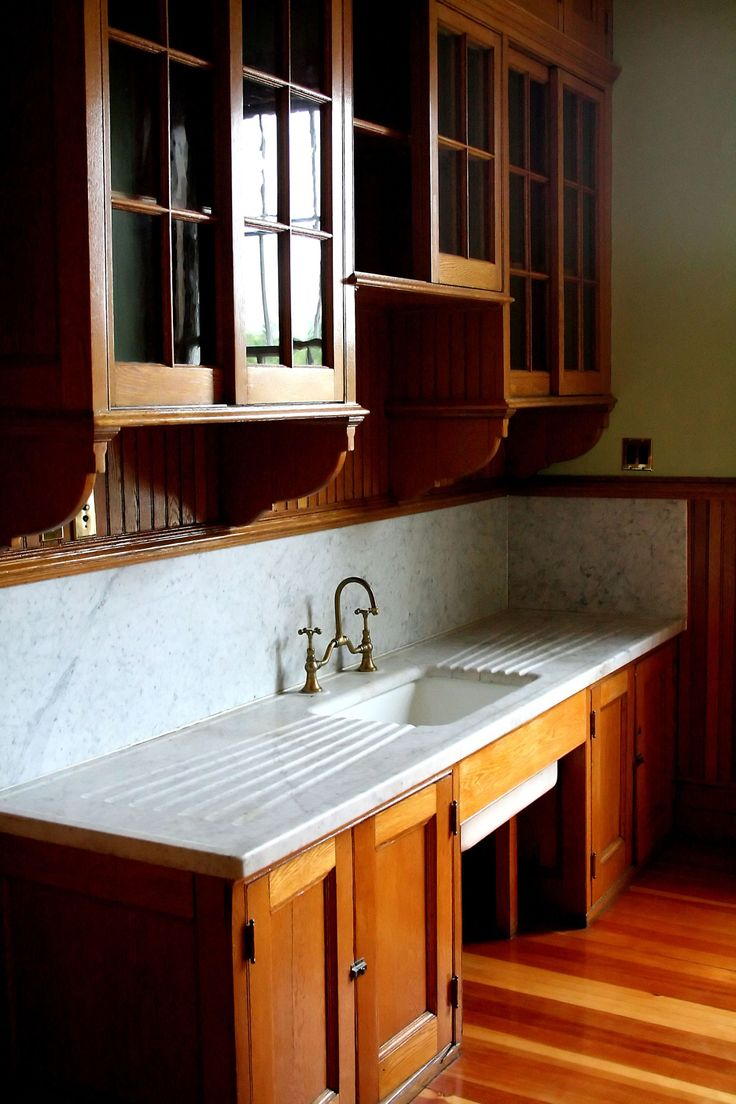 Bring back the fun and warmth of old fashioned kitchens, please!                                                                                                                                                                                 More