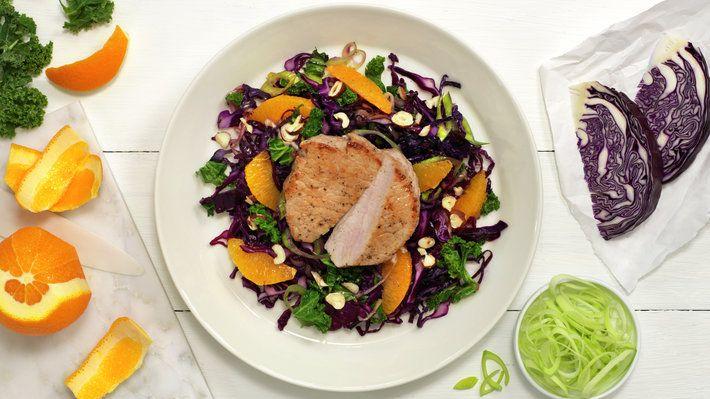 Kålsalat med skinkebiff og appelsin