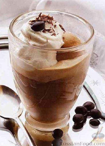 Фото к рецепту: Кофе с мороженым по-бельгийски