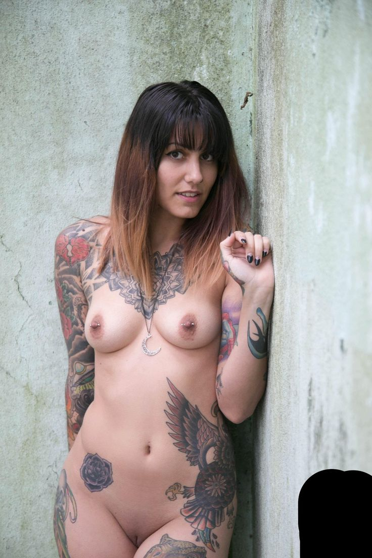 naked tatooed girls