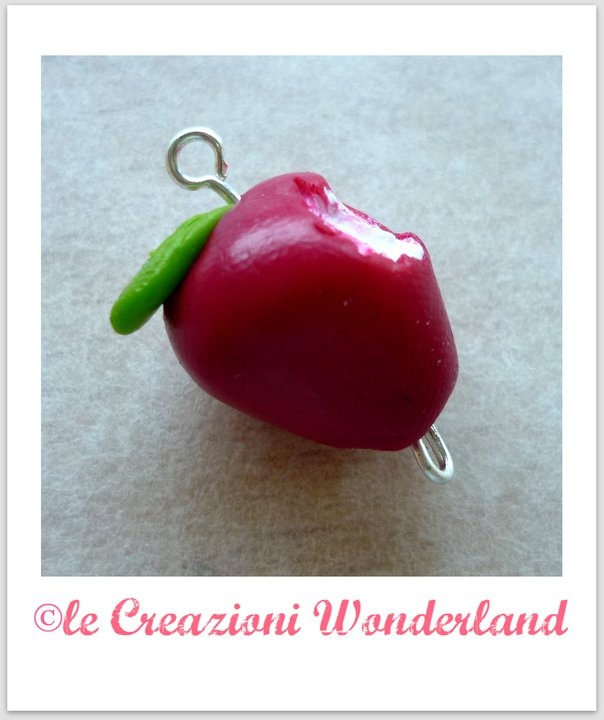 http://www.facebook.com/pages/Le-Creazioni-Wonderland/158290544231334