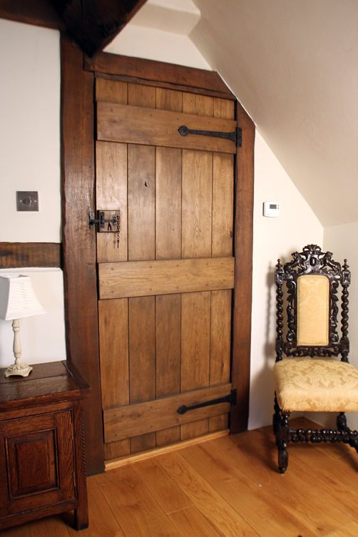 Traditional Oak Bedroom Door - Ledge and Brace