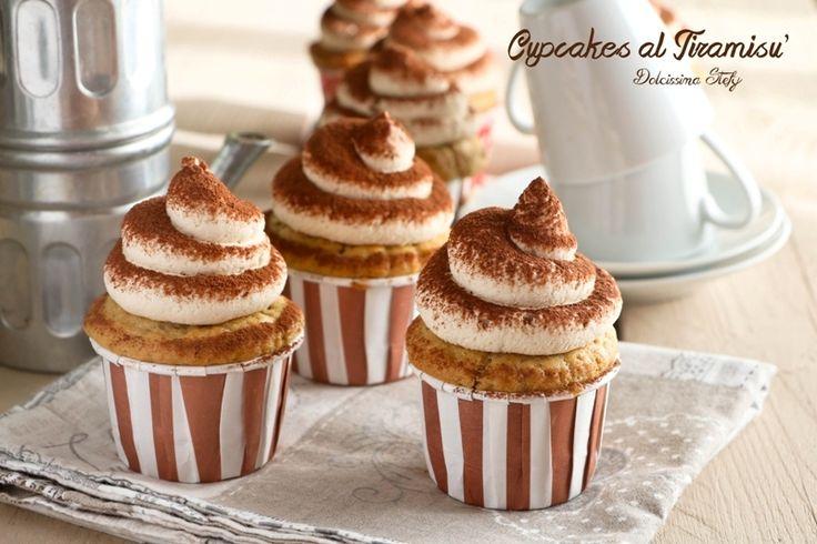 Cupcakes al Tiramisù ..ricette con il mascarpone, dolci per la merenda, dolci golosi, dolci al tiramisù, ricetta del tiramisù, ricetta cupcakes, dolci clas