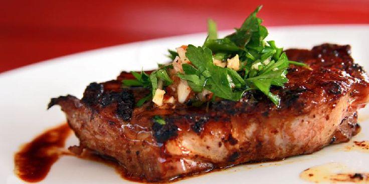Chimichurri - Dette er en oppskrift på chimichurri, den nye sausen som alle kan lage.