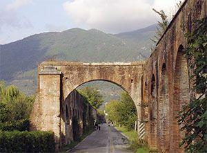 The Medici Aqueduct. Pisa, Tuscany, Italy.