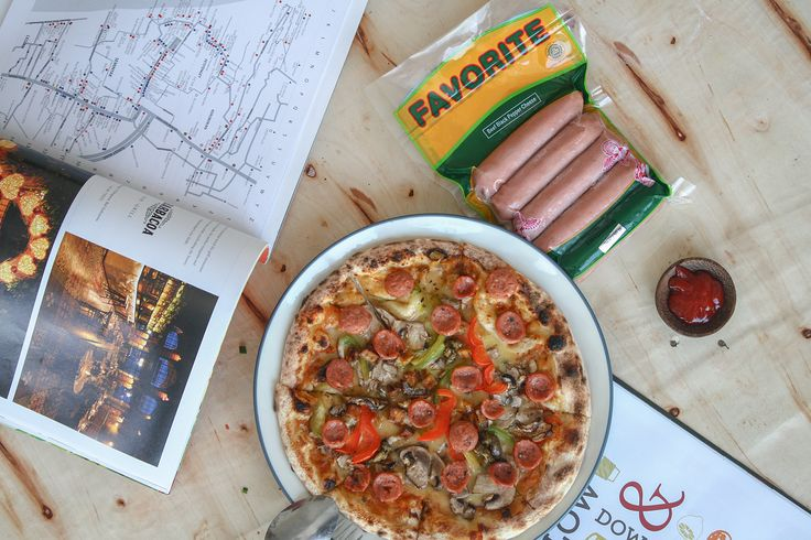 Favorite Pizza in Bali - Indonesia with the best Sausage. #sausage #pizza #bali #indonesia  https://www.instagram.com/favorite.meat.processing/  Photo by https://www.instagram.com/riodwisandybrandingstudio/